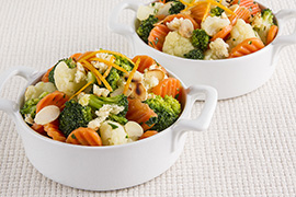 Tricolor veggie mix with bread and almonds