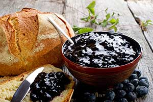 Whole wheat bread with blueberrt jam