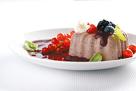Bavarian cake with berries and a delicate sauce